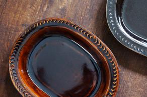 食卓を楽しく美しく彩ってくれそうな出西窯のうつわ