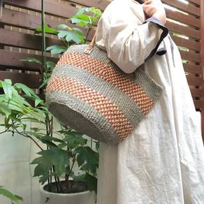 涼し気で丈夫なサイザル麻のバッグ