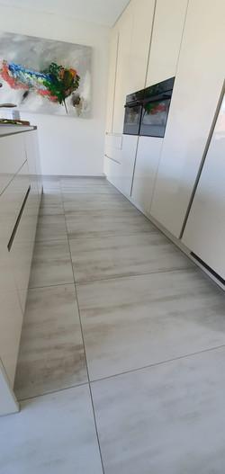 Boden: 60x120 matt/lappato + rekt.