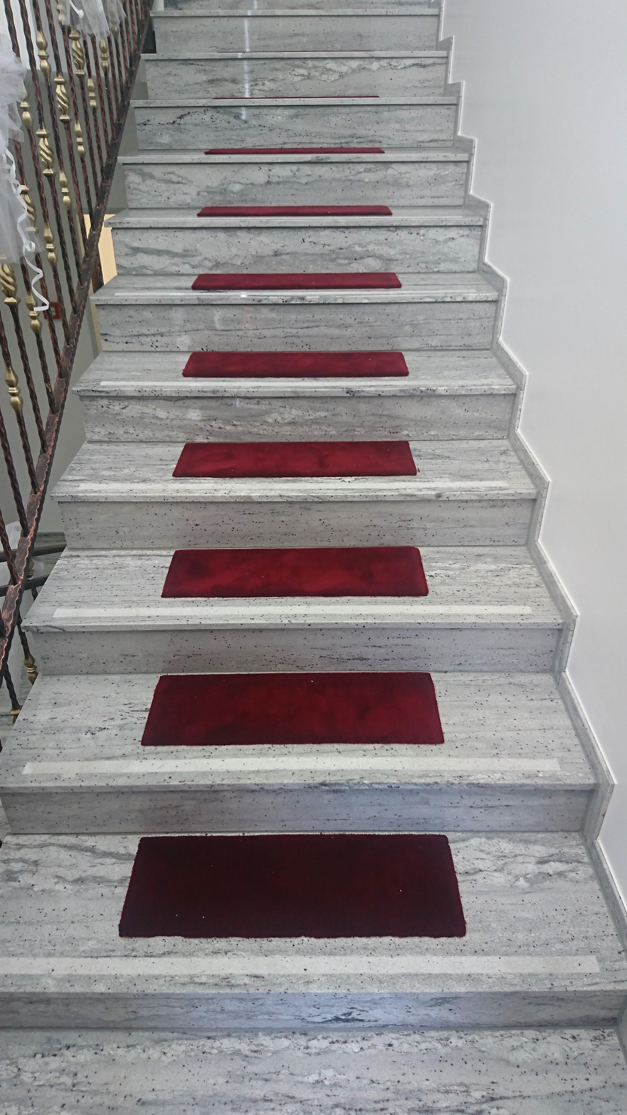 Treppe: Naturstein nach Mass