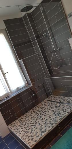 Bodenmosaik + Wandplatten (nur geliefert)