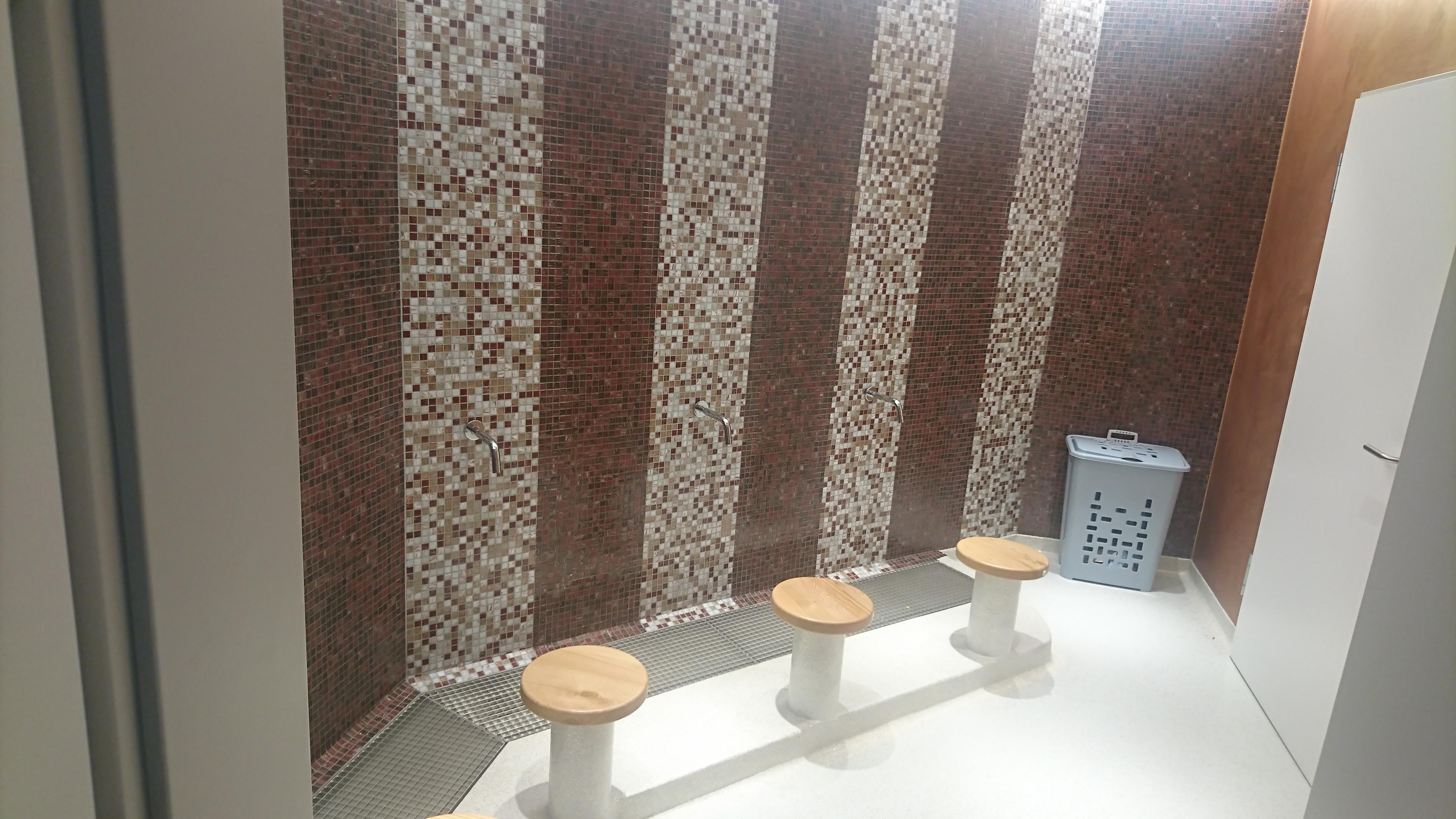 Wand: Mosaik 30x30 auf Netz