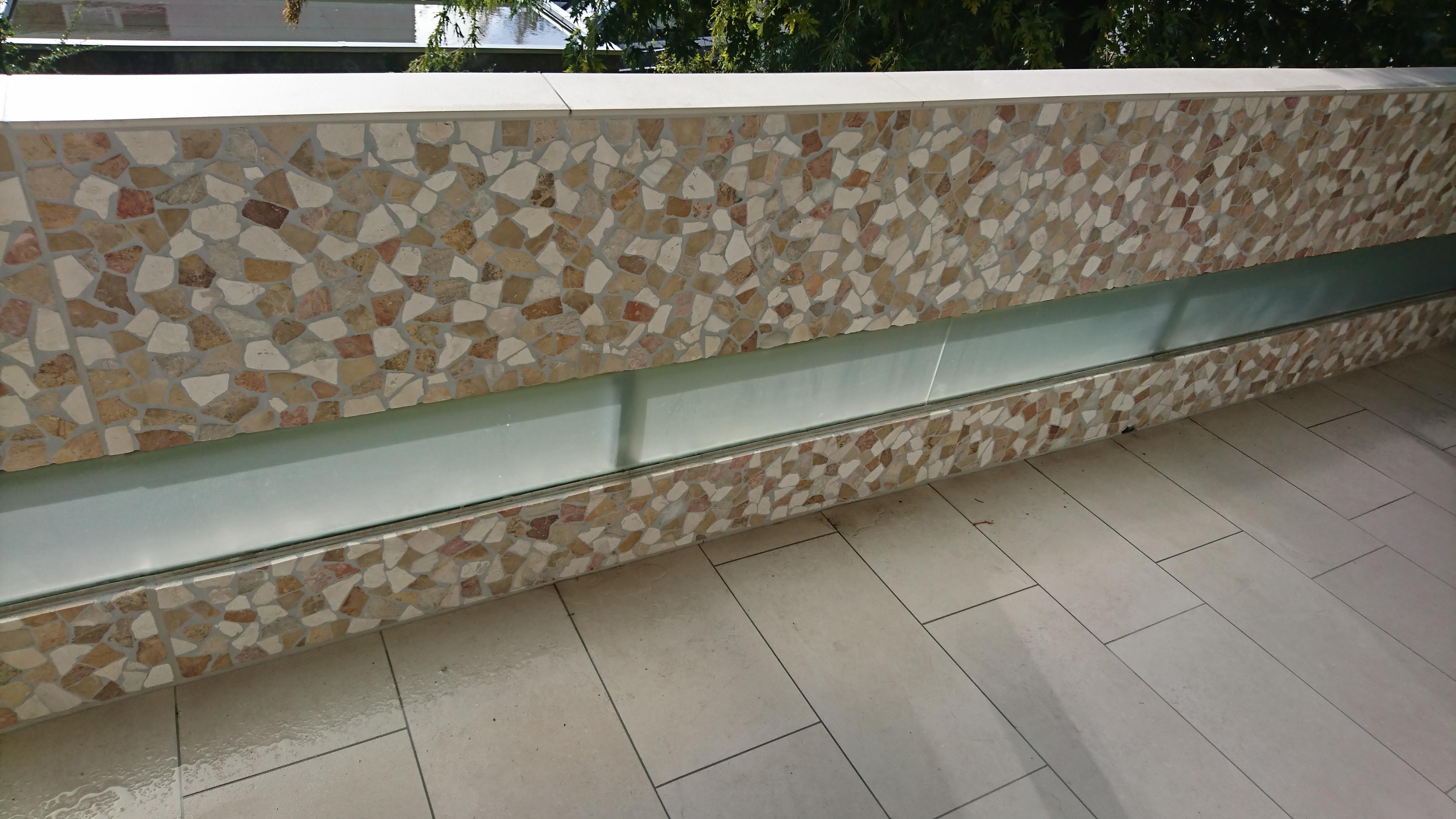 Boden: 30x60 rekt. ; Wand: Mosaik