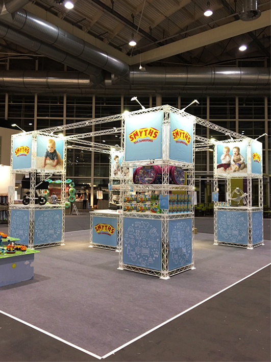 Smyth-Toys-Messestand