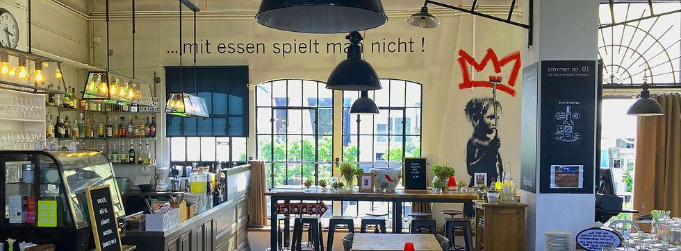 zimmer-no-01-indoor-view.jpg