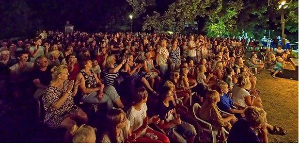 Mehr als 800 begeisterte Zuschauer beim Sommertheater