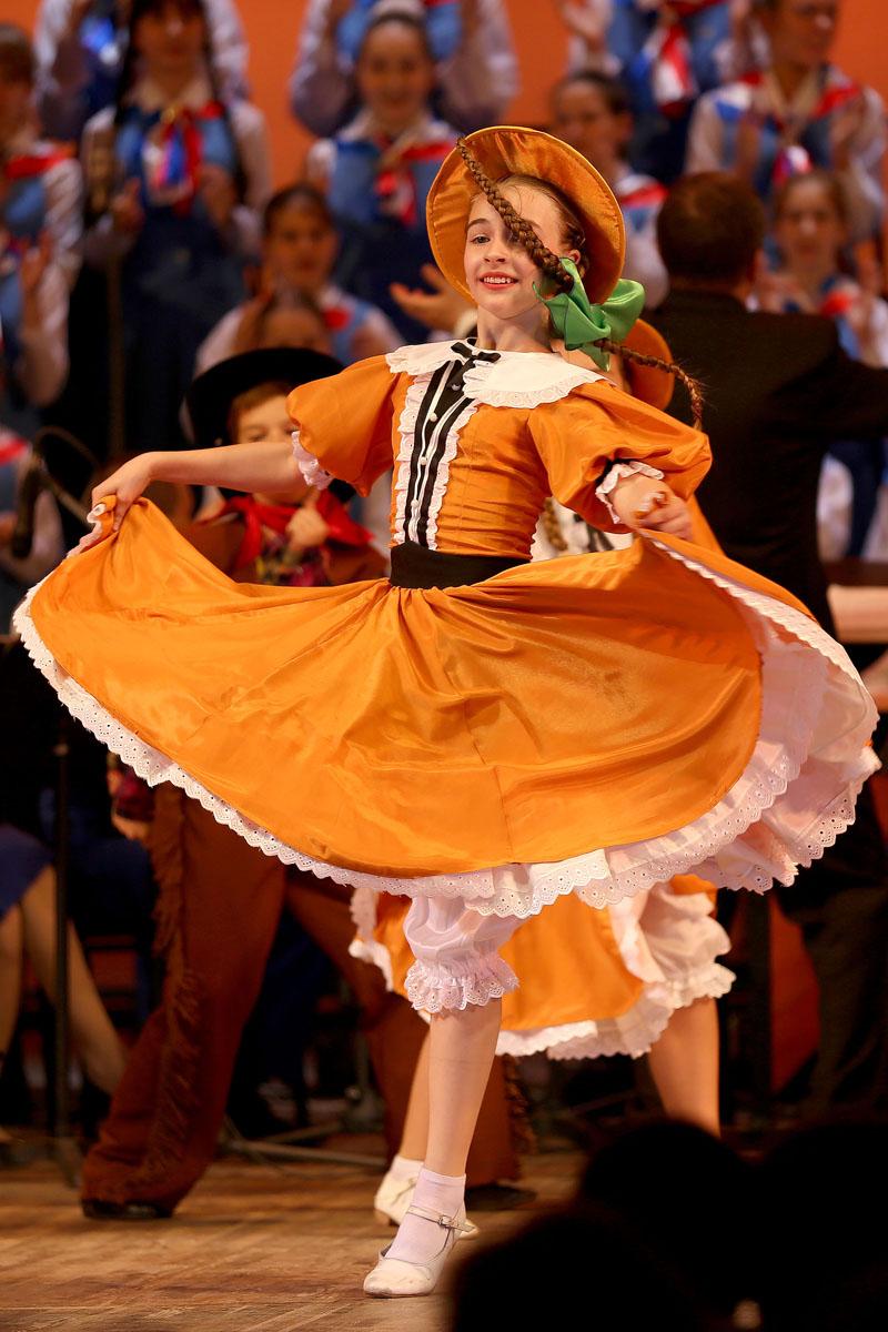 Американский танец в стиле кантри