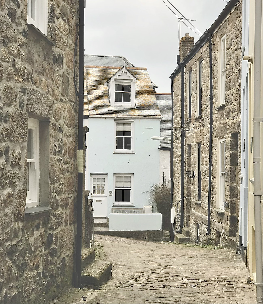 Cottages in cobbled streets of St Ives Cornwall