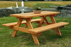 Baumberger Table Pic-Nic
