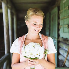 Pinup Beauty Hochzeit Make positive Kundenbewertungen.