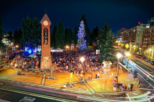 Community Tree Lighting + Pops Concert in Esther Short Park // 2017