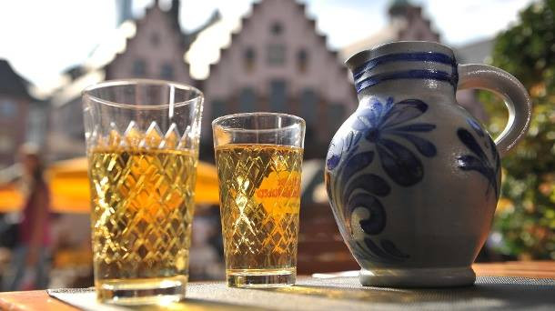 How to Make German Apfelwein