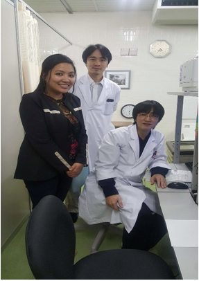Image 13 : Photo with Dr. Shimada (neurosurgeon) and Mr. Tanaki (technician for the whole-body counter)