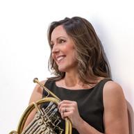 Caroline Kinsey, Horn