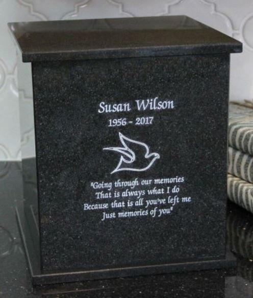 urn box with engraving.JPG