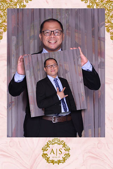MINI ME PHOTOBOOTH.jpg