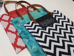 Flat Bag com alça em couro