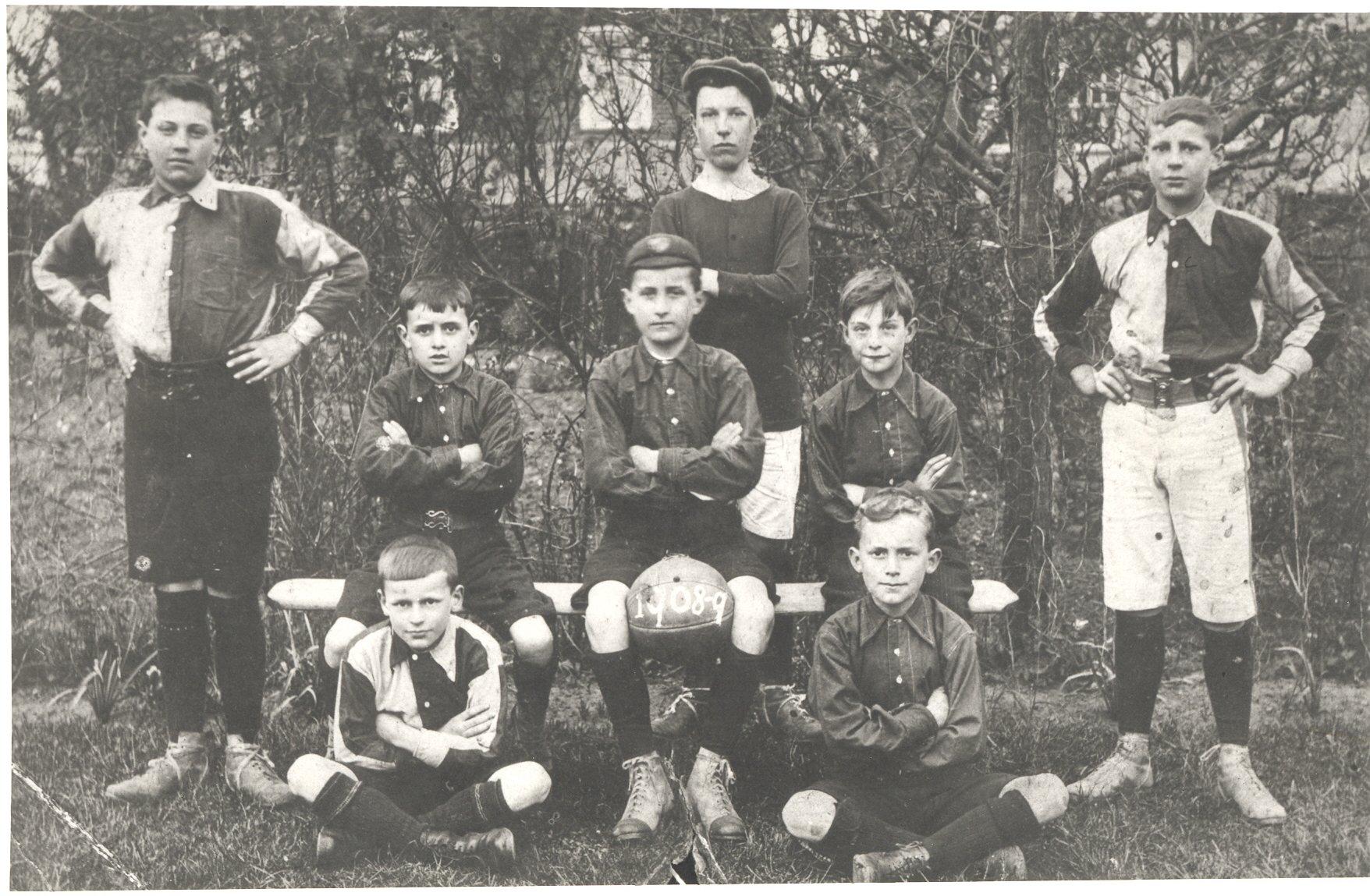 Boys football team. 1908-09