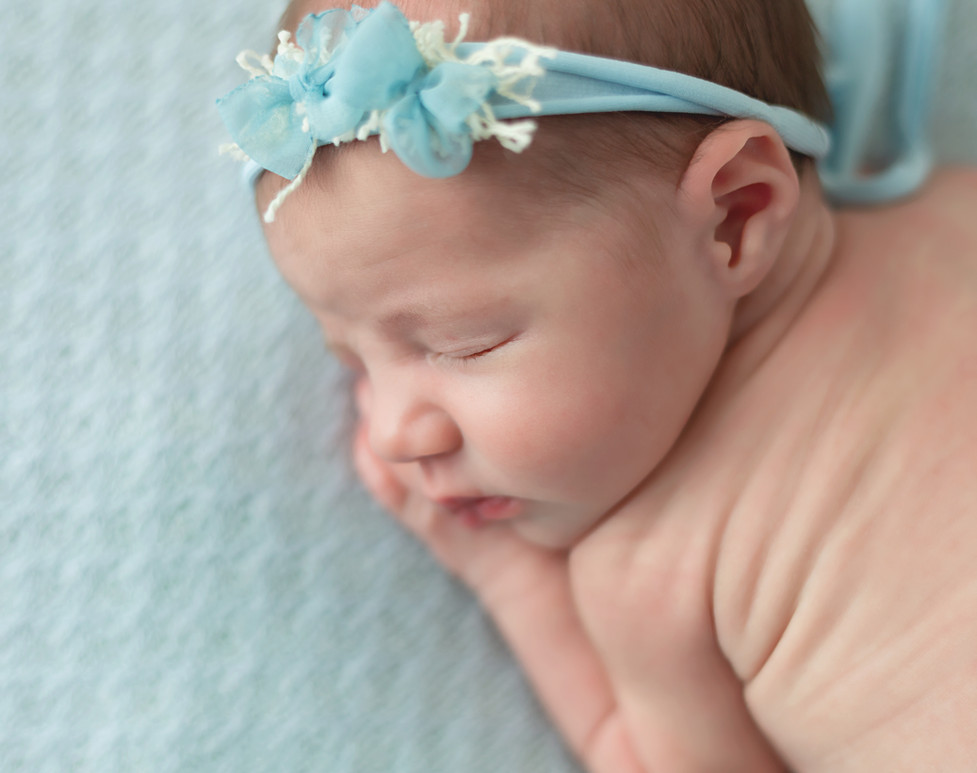 Best newborn photographer Colfax WA