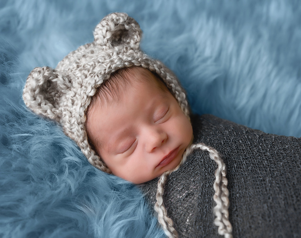 Pullman Washington Newborn Photographer
