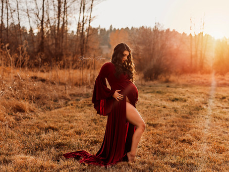 Kirsten's Sundrenched Maternity Session | Moscow Idaho Maternity Photographer