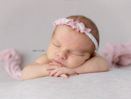 Choosing the perfect newborn photographer for you