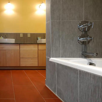 Full Bath w/ Cabinetry