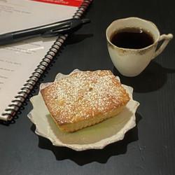Mini Jewish Apple Cake (1).jpg