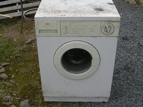 Hometown Hero: Man Gives Away Washing Machine To Anyone With a Truck