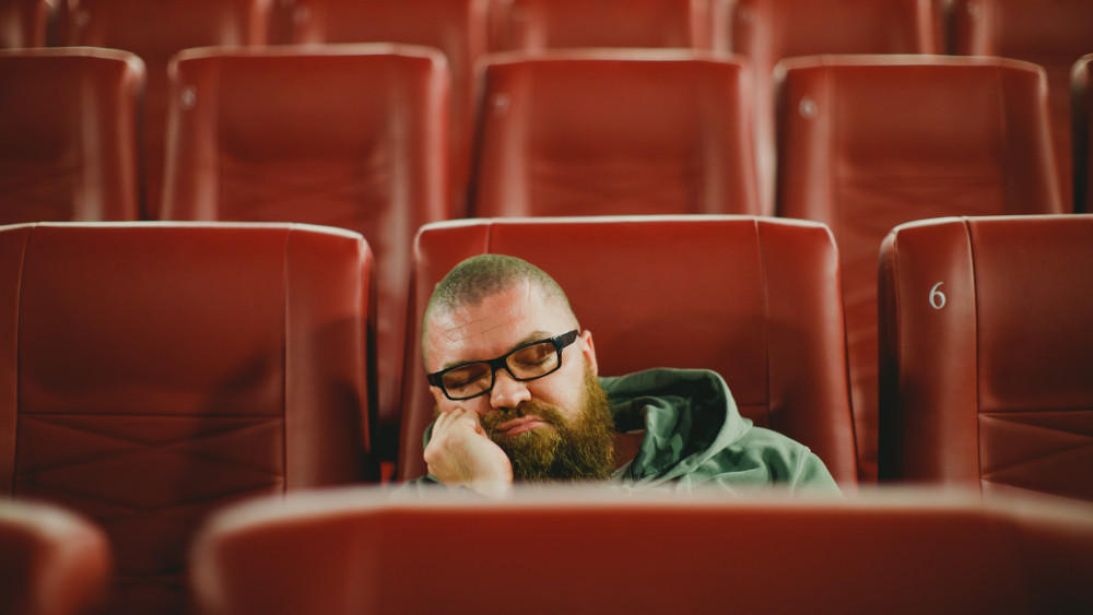 Reynolds, dozing between trailers