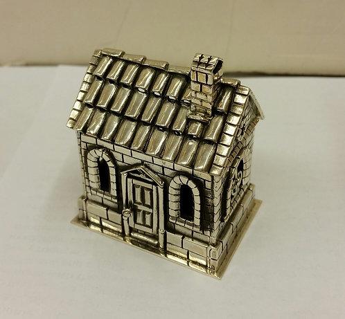 House Spicebox