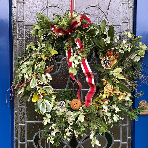 Decorated%20Christmas%20Wreath%20-%20on%