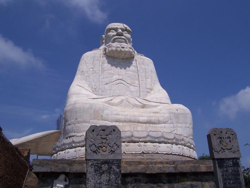 Estatua de Bodhidharma
