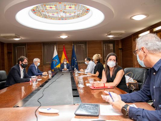 El Gobierno de Canarias impone nuevas medidas contra la COVID-19