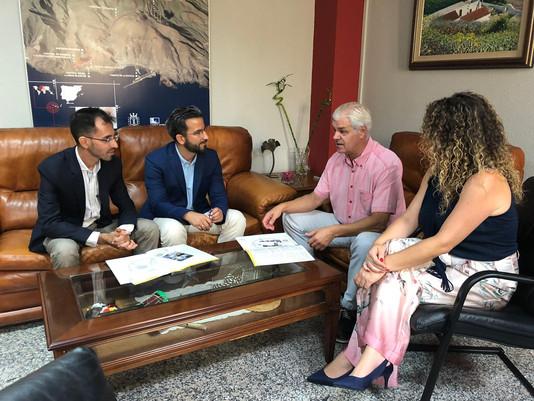 Total sintonía en el encuentro entre los representantes de ACTIVA CANARIAS y el presidente del Cabil