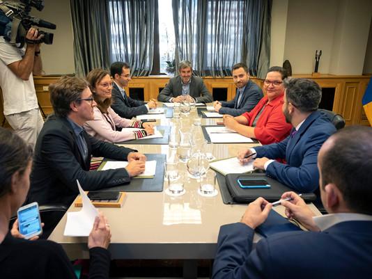 Fernando Clavijo atiende las demandas de los representantes del turismo activo
