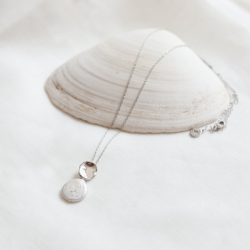 Circle Pearl Necklace