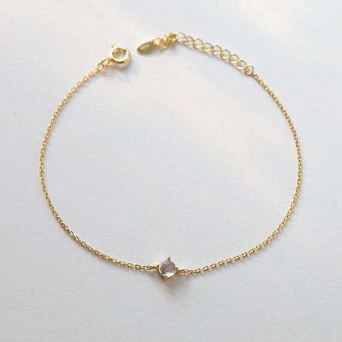 Moonstone dainty bracelet