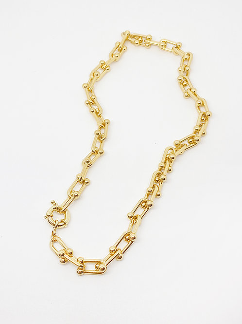U shape Gold-filled chain necklace.