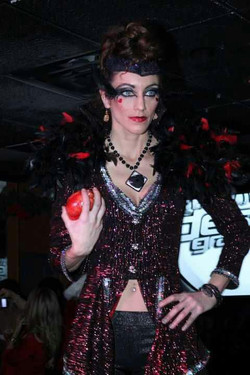 evil-queen-once-upon-a-time-fashion-show