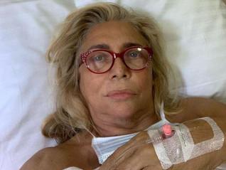 Mara Venier e il problema all'impianto dentale, ecco cosa è successo e perché.