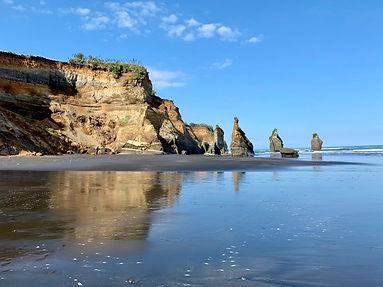 New Plymouth coastline - Taranaki Three Sisters - image Andrea Hunt