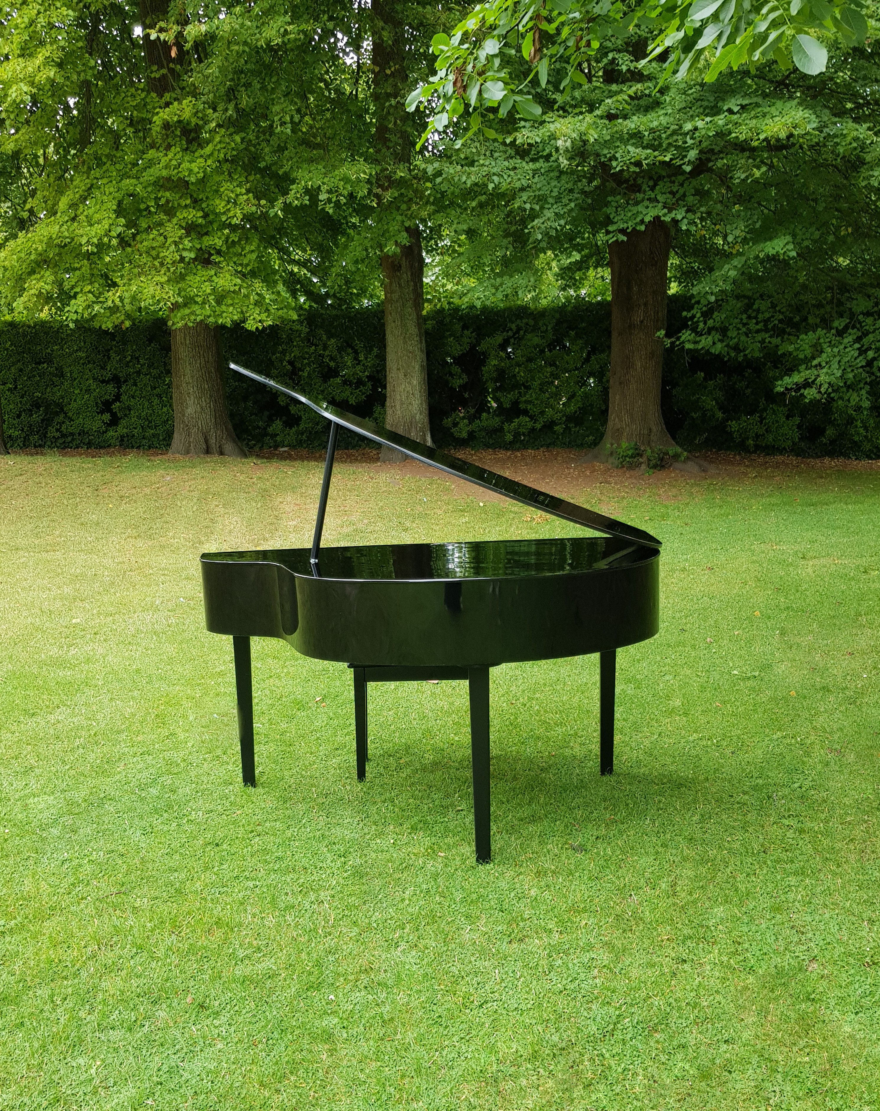 piano with trees