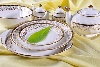 Crockery, tableware, dinner set, dinnerware, plates, bowls, trays, bone china, ceramics, india