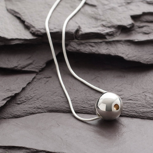 SPHERE WITH POINT NECKLACE - discontinued design