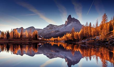 calming mountain background.webp