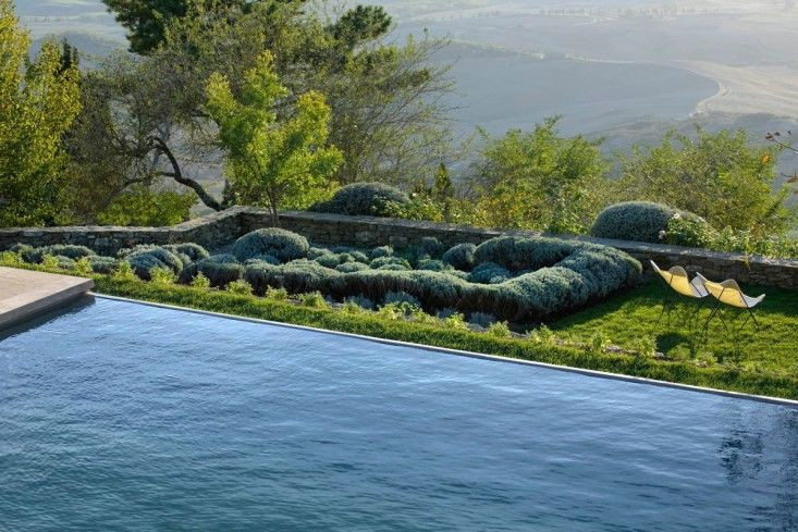 Above: An infinity swimming pool with a panoramic view creates romance in Italy (as if Italy needs more romance).
