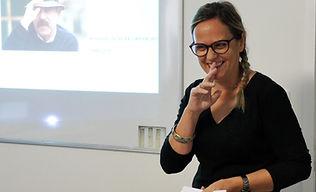 Lectue poèmes - poésie - Institut de langue et culture lusophones Toulouse - Cours de portugai - cours de brésilien - Cours de Fançais - Portugai du portual - portugais norme brésilienne - FLE