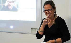 Leitura de poemas no Instituto de Língua et Cultura Lusófonas - Aulas de português - Aulas de françês - Aulas de FLE - Institut de Langue et Culture Lusophones