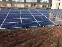 Panneaux solaires photovltaïques en autoconsommationsur immeuble La Rochelle